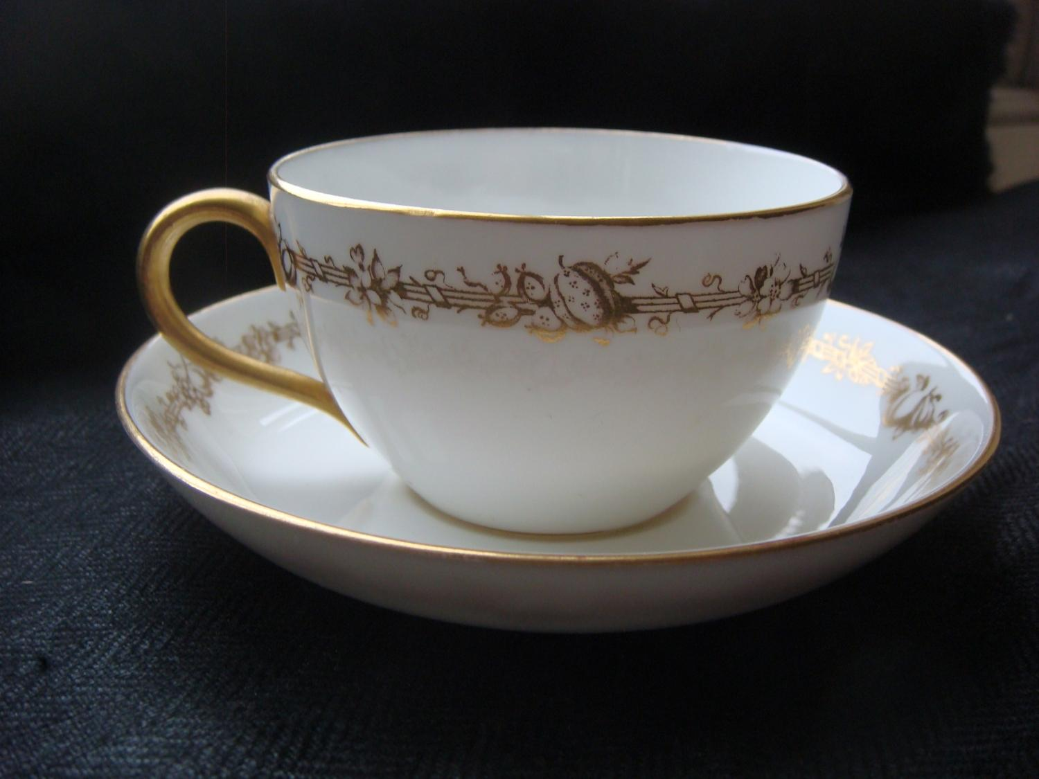 Royal Crown Derby 'Meynell' Cup & Saucer
