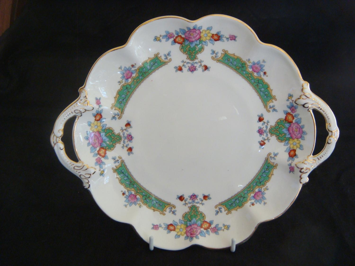 George Jones & Sons Crescent Cake Plate