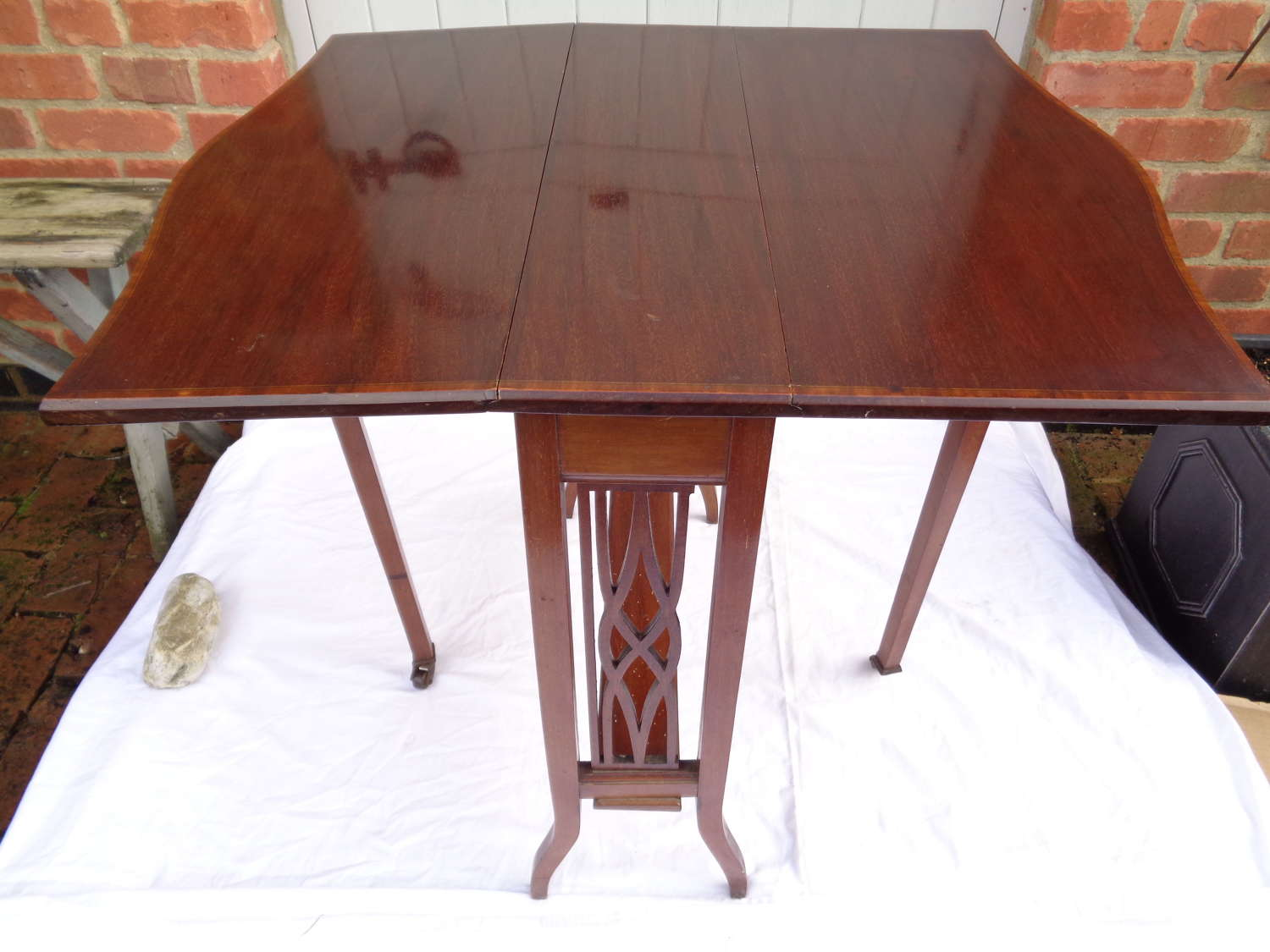 Edwardian Mahogany Sutherland Table