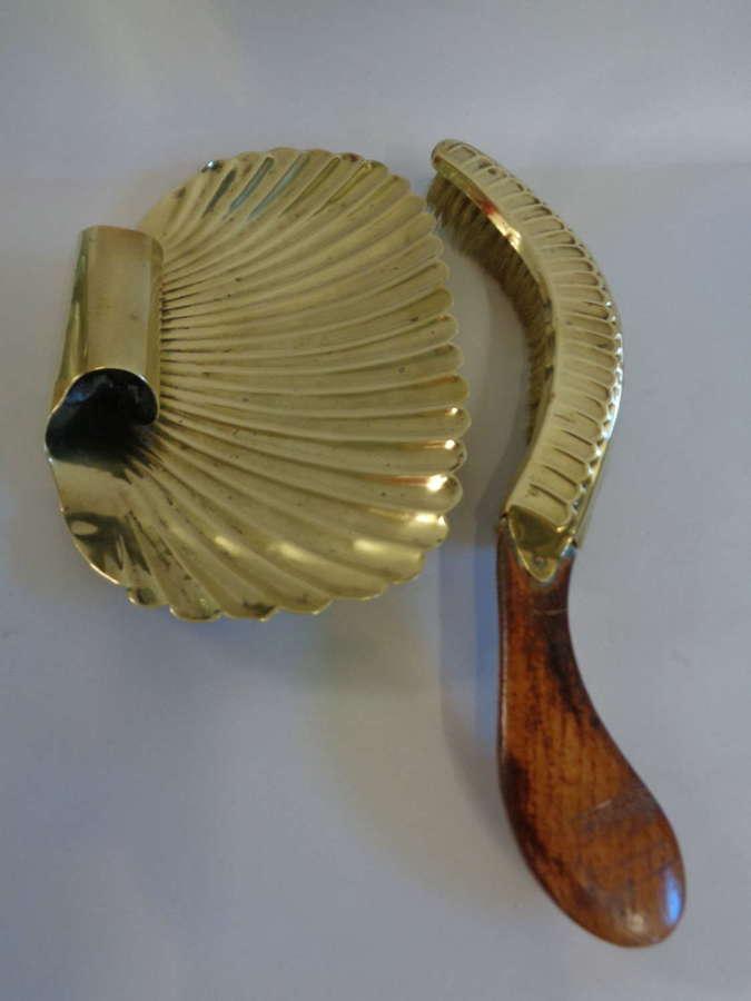 Edwardian Brass 'Shell' Crumb Tray & Brush